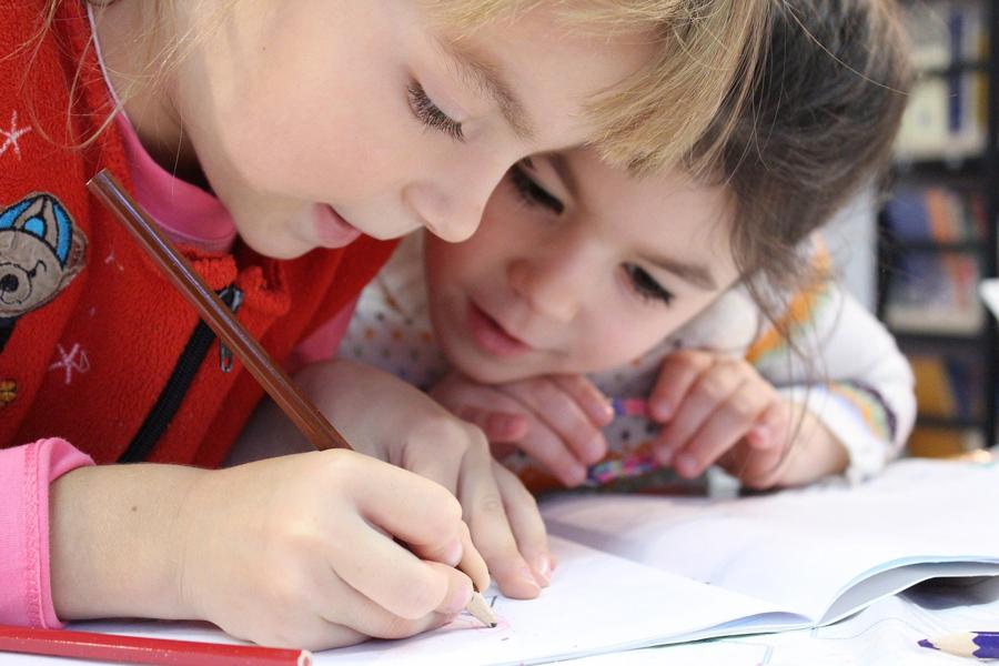 Bambini iperattivi: strategie per renderli riflessivi